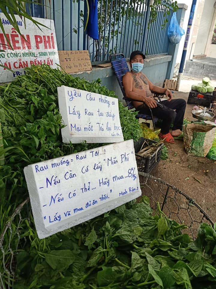 Được người hâm mộ ngỏ ý tặng tiền, anh Minh Râu bán rau: Giờ mình ổn, khi nào xây biệt thự, mua siêu xe thì xin nhé! - Ảnh 1.