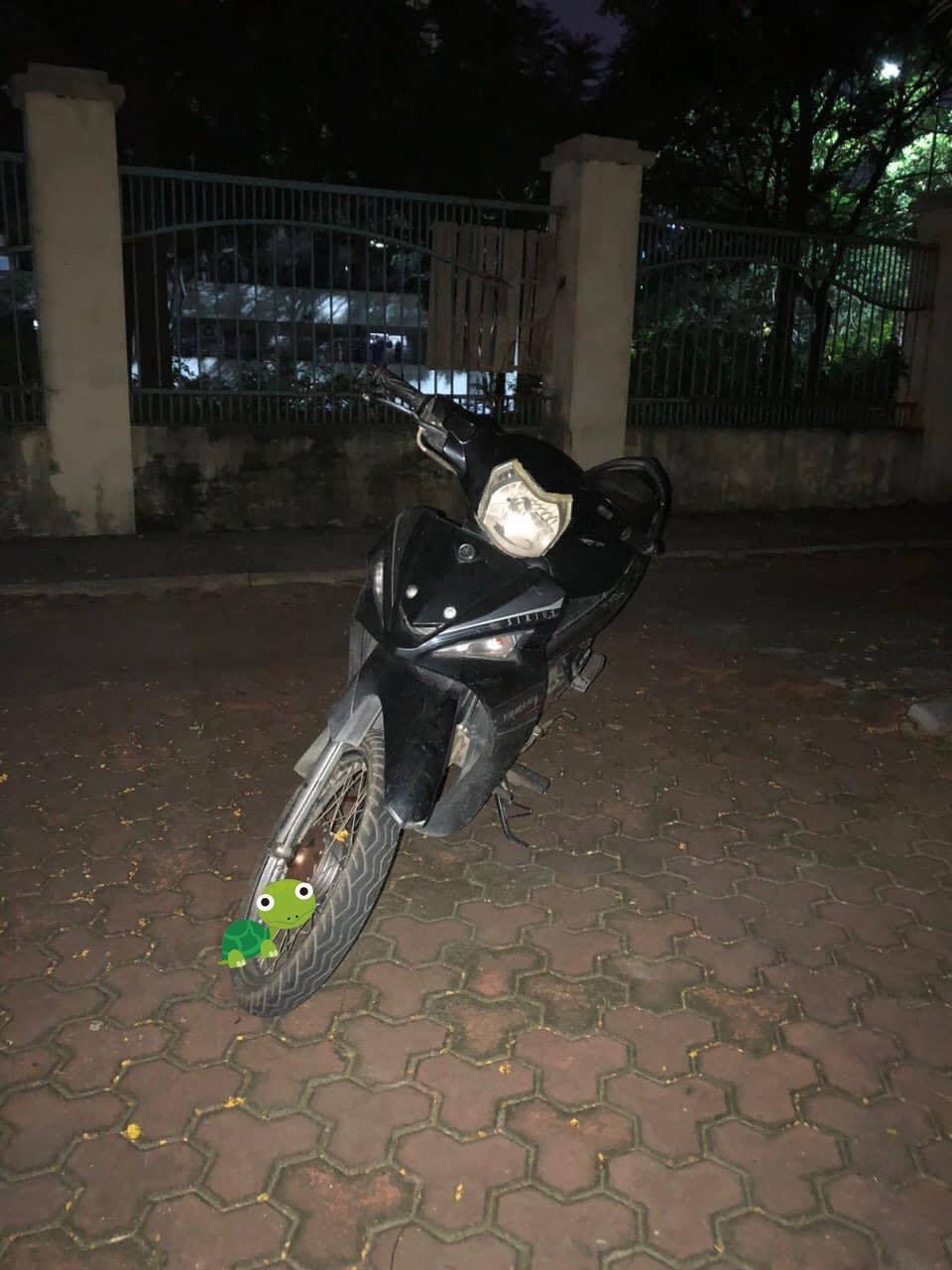 Chiếc xe máy của nữ công nhân môi trường bị cướp vừa được tìm thấy - Ảnh 1.