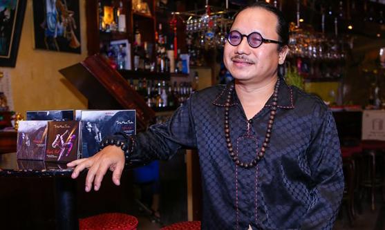 Nghệ sĩ Trần Mạnh Tuấn cai máy thở, giành lại sự sống sau hơn 1 tháng cấp cứu - Ảnh 1.