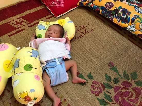 Cơ cực mẹ đơn thân tật nguyền mới sinh con không nhà, không tiền, không công việc - Ảnh 2.