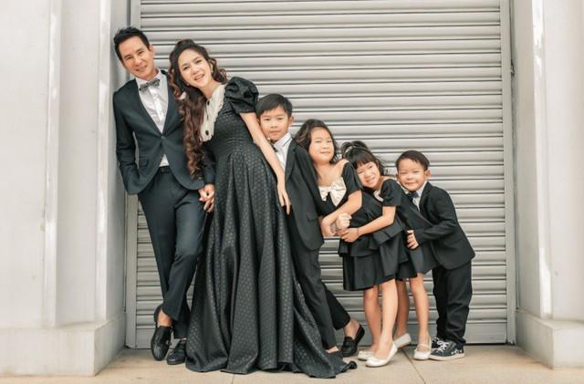 Thu Trang đăng ảnh trẻ trung, Lý Hải - Minh Hà kỷ niệm 10 năm ngày cưới - Ảnh 2.