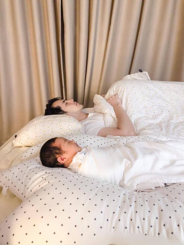 Hoàng Thùy Linh gây sốt với loạt ảnh hậu trường, Trương Ngọc Ánh  - Trần Bảo Sơn mở tiệc sinh nhật con gái - Ảnh 5.