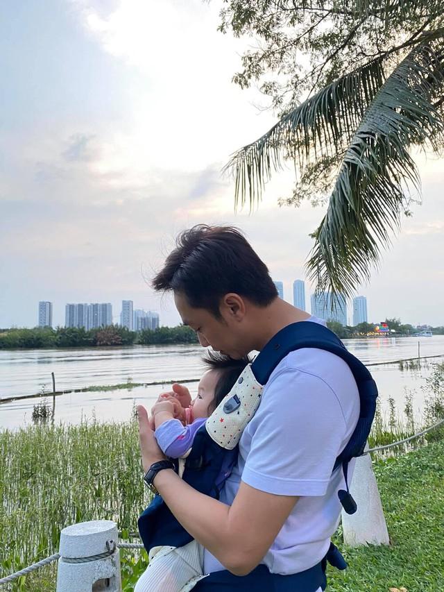 Nhã Phương khoe nhan sắc ngọt ngào, Hà Hồ đăng ảnh gia đình hạnh phúc - Ảnh 3.