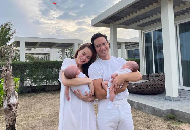 Nhã Phương khoe nhan sắc ngọt ngào, Hà Hồ đăng ảnh gia đình hạnh phúc - Ảnh 2.