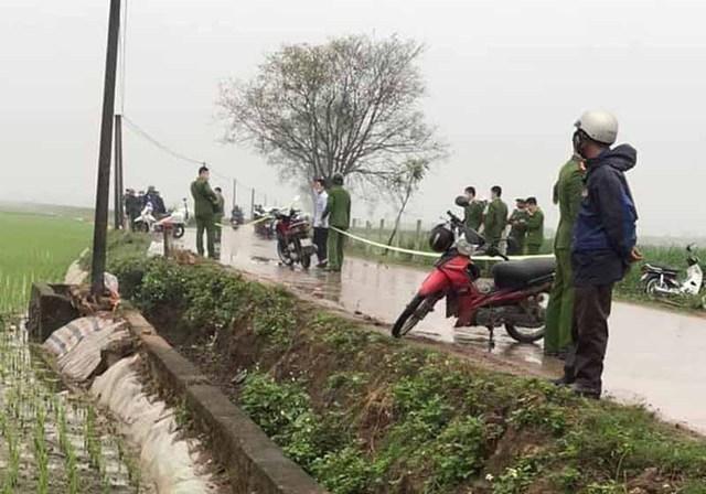 Xe container lùa nhiều xe máy, lao vào nhà dân khiến 1 tử vong  - Ảnh 2.