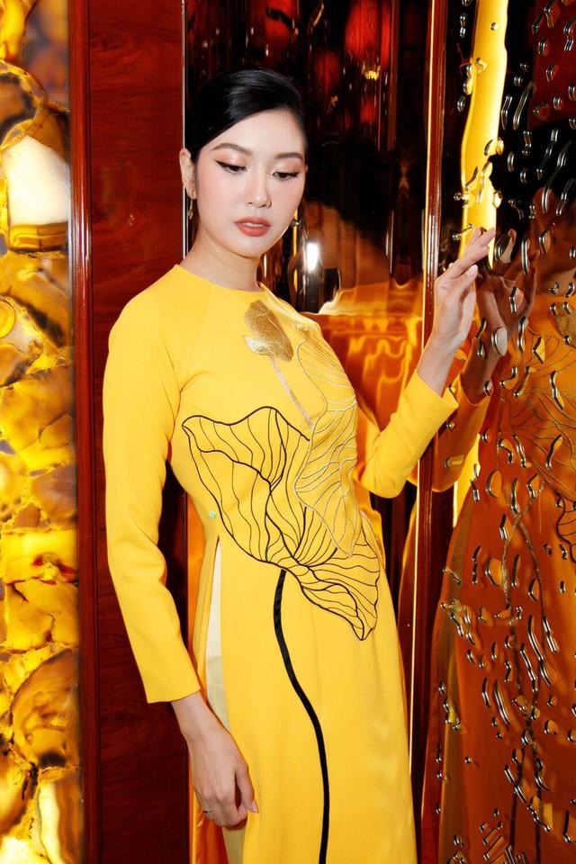 Minh Tú hóa cô dâu lộng lẫy, Thúy Vân dẹp tựa nàng thơ khi diện áo dài vàng rực rỡ - Ảnh 2.
