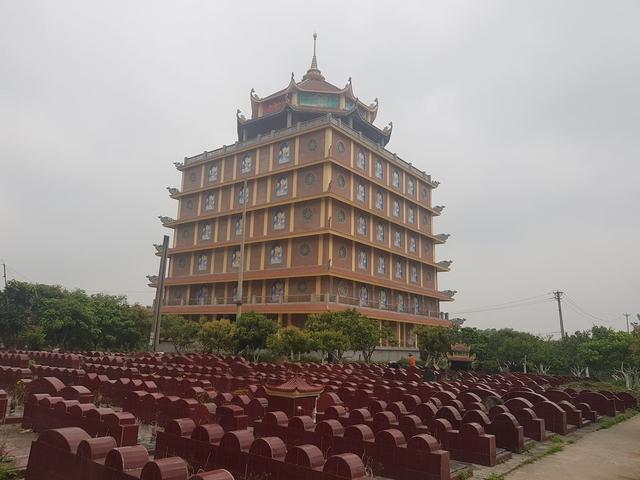 Đông Anh- Hà Nội: Ngôi chùa đồ sộ ngang nhiên xây dựng không phép   - Ảnh 3.