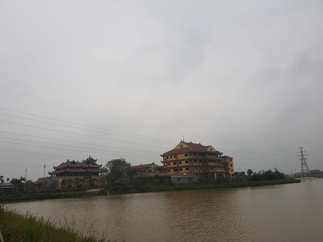 Đông Anh- Hà Nội: Ngôi chùa đồ sộ ngang nhiên xây dựng không phép   - Ảnh 1.