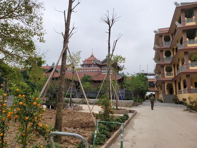Đông Anh- Hà Nội: Ngôi chùa đồ sộ ngang nhiên xây dựng không phép   - Ảnh 4.
