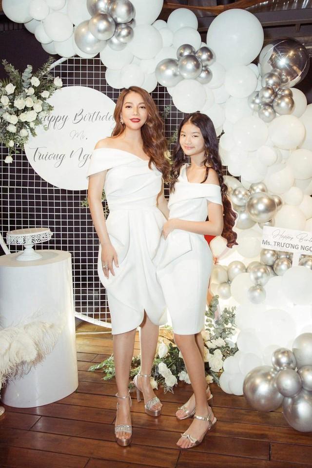 Hà Tăng khoe vẻ gợi cảm, Mạc Văn Khoa đăng ảnh gia đình hạnh phúc  - Ảnh 3.