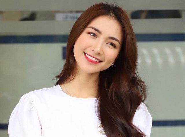 Jang Mi khoe nhan sắc tươi trẻ, Chi Bảo tình tứ bên vợ doanh nhân  - Ảnh 3.
