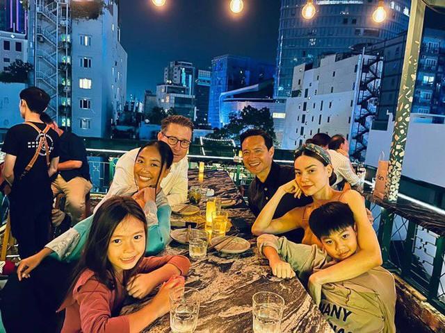 Ngọc Quyên hóa nàng thơ, Trấn Thành - Hari Won sang chảnh trong bộ ảnh mới  - Ảnh 3.