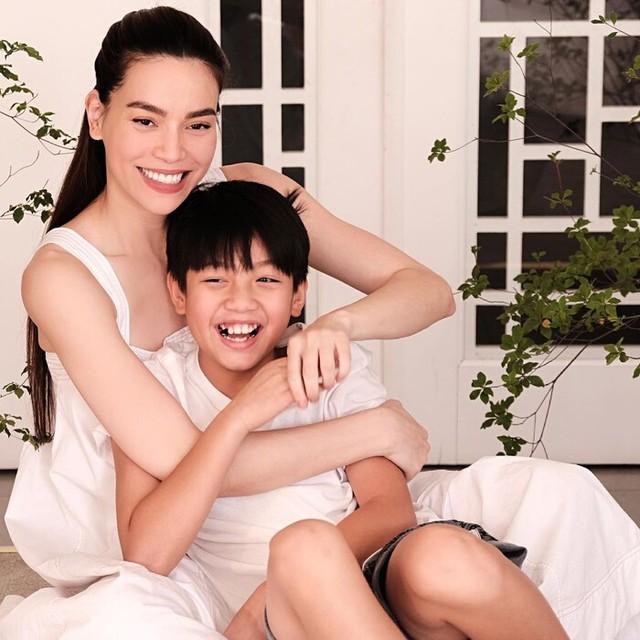 Phương Khánh đẹp tựa nữ thần, Trần Bảo Sơn lần đầu khoe ảnh hai con gái - Ảnh 5.