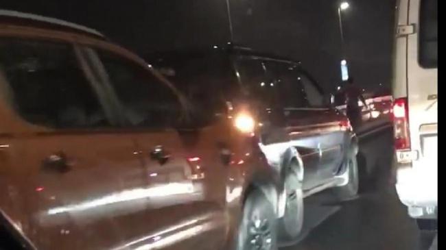 Nhiều vụ tai nạn giao thông nghiêm trọng xảy ra trong ngày cuối tuần - Ảnh 1.