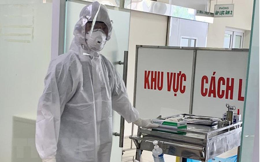 Thêm 5 ca nhập cảnh mắc COVID-19, Việt Nam có 1074 ca bệnh