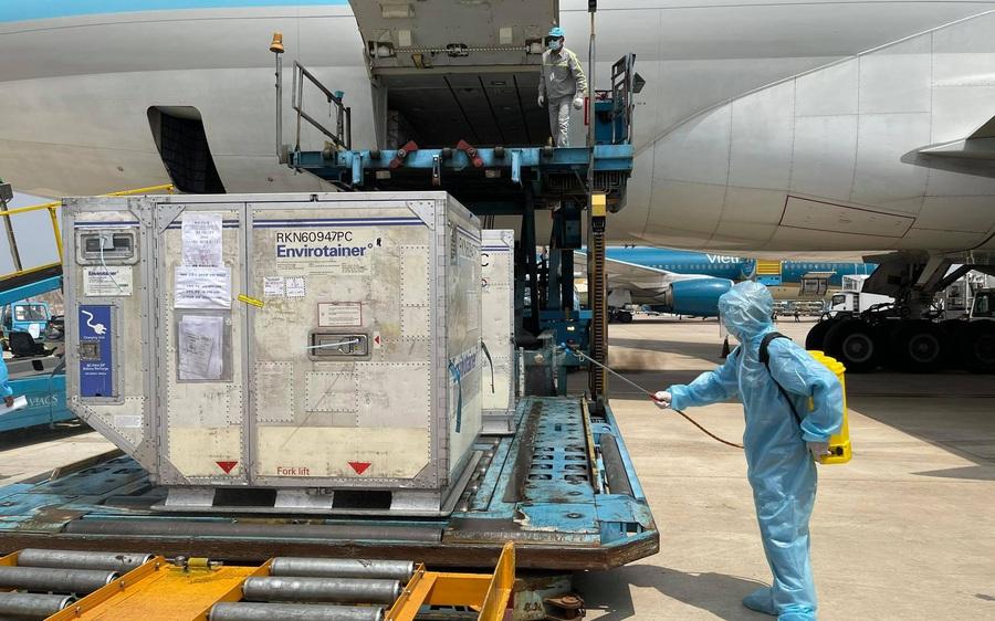Khi nào sẽ tiến hành tiêm 117.000 liều vắc xin phòng COVID-19 ở Việt Nam?