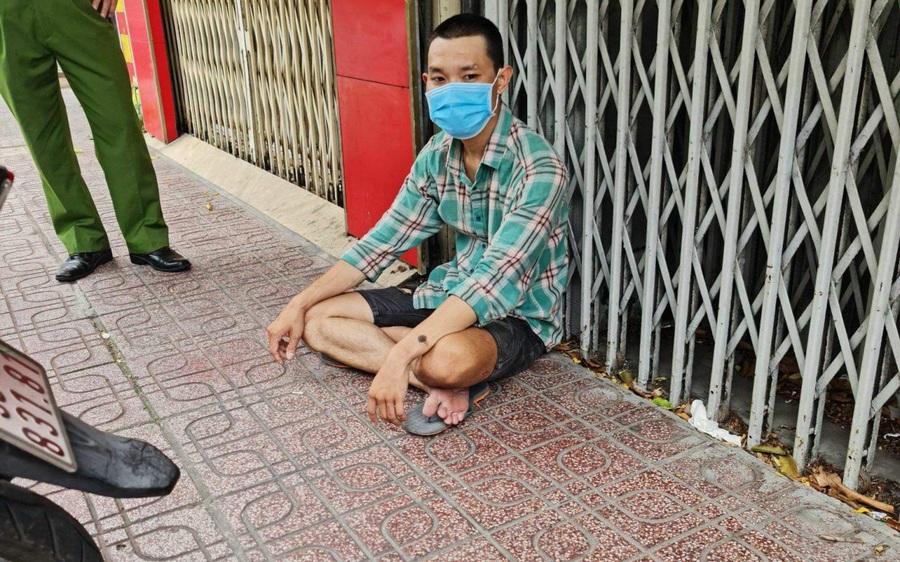 TP.HCM: Thanh niên ra đường cướp giật trong lúc giãn cách xã hội, âm tính với SARS-CoV-2 nhưng dương tính ma túy