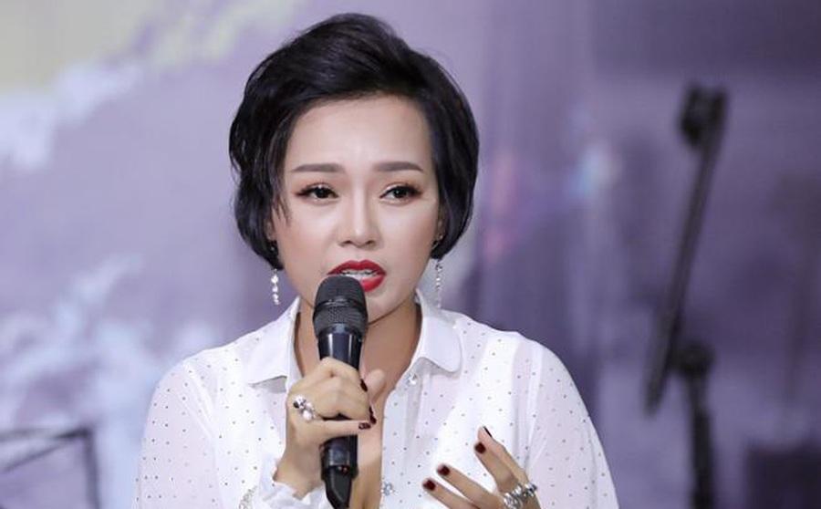 """Ca sĩ Thái Thùy Linh nói về việc từ thiện: """"Công chúng đòi hỏi ở nghệ sĩ nhiều quá"""""""