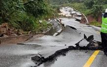 Quảng Bình: Mở đường tạm trên quốc lộ 12A bị sạt lở
