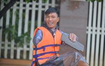 Chiến đấu với thiên tai và nghịch cảnh ắt có nước mắt, nhưng ơn trời, nụ cười vẫn nở trên môi người Quảng Bình!
