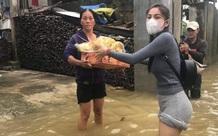 Mặc cảnh báo nguy hiểm từ cơn bão số 9, Thủy Tiên và Công Vinh trở lại miền Trung cứu trợ