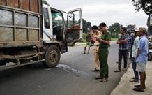 Hai nữ sinh bị ô tô tải đâm tử vong thương tâm trên đường đến trường