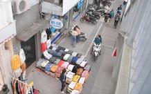 """Ảnh: Phố """"mua sắm"""" ở Hà Nội vắng như """"chùa Bà Đanh"""" dù vào giờ nghỉ trưa ngày Black Friday"""