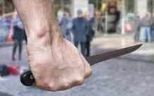 """9X nghi """"ngáo đá"""" xông vào nhà người đàn ông giật xe, đâm chủ nhà tử vong"""
