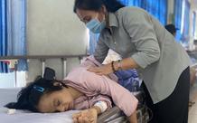 Cô gái 26 tuổi mắc bệnh Down bị bỏ rơi 20 năm nay lại gặp tai nạn lâm nguy, bệnh viện khẩn cầu cộng đồng giúp đỡ