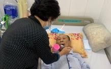 Nước mắt bất lực của người vợ khi chồng phải cắt một bên chân, hôn mê trong phòng hồi sức chưa biết ngày về