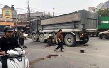 Tin giao thông ngày 24/1: Xe máy vượt đèn đỏ tông vào xe tải, 2 người phụ nữ tử vong