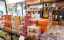Thị trường hàng đặc sản ngày Tết ở Sài Gòn: Các cửa hàng vẫn vắng khách, giá sản phẩm tăng cao