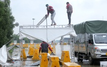 Hà Nội: Lực lượng chức năng đội mưa dỡ chốt kiểm soát cao tốc Hà Nội - Hải Phòng, cửa ngõ phía Nam tạm dừng kiểm soát
