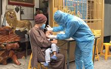 TP.HCM: 55 người ở một ngôi chùa, bao gồm trẻ nhỏ được lấy mẫu xét nghiệm COVID-19