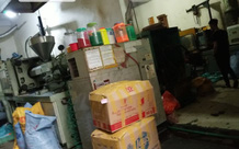 """Đống Đa - Hà Nội: Nhiều xưởng sản xuất đồ nhựa """"đầu độc"""" khu dân cư"""