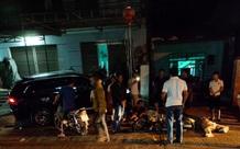Ô tô tông 4 xe máy khiến nhiều người thương vong