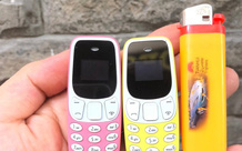 Phát sốt với điện thoại tí hon như chiếc bật lửa giá chưa tới 200.000 đồng