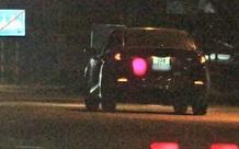 Tài xế ô tô tông CSGT trọng thương rồi bỏ trốn