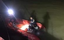 Để lại xe máy trên cầu, nam thanh niên nhảy xuống sông Lam tự vẫn