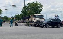 Tin TNGT ngày 21/4: Xe ben đâm xe máy đang chờ đèn đỏ, 2 người thương vong