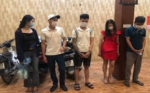 Bất chấp dịch COVID-19, nhóm nam nữ kéo loa vào nhà nghỉ bay lắc