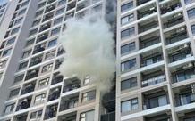 """Hà Nội: Căn hộ chung cư cao cấp """"phát hỏa"""" do gia chủ để bìa carton cạnh cục nóng điều hòa"""