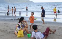 Người Đà Nẵng được tắm biển sau 21 ngày không có ca nhiễm Covid-19