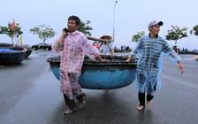 Ảnh: Sau Covid-19, người dân Đà Nẵng lại hối hả chống bão số 5