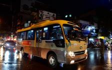 Hà Nội ngày ùn tắc kinh hoàng: Tan học từ 17h nhưng tới 20h vẫn còn rất nhiều xe chở học sinh di chuyển