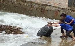 Phạt chủ và nhân viên quán cafe 35 triệu đồng vì vứt 120kg rác xuống biển Vũng Tàu