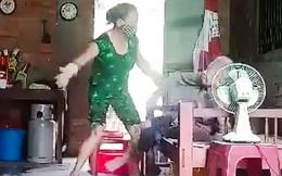 Con gái đánh đập, tạt chất bẩn vào mẹ già sẽ phải đối diện với hình phạt nào?