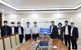Hàng trăm triệu trang thiết bị y tế được trao tặng cho tỉnh Phú Thọ trong phòng chống COVID-19
