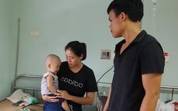 Tính mạng mong manh của cậu bé 1 tuổi bị ung thư bàng quang