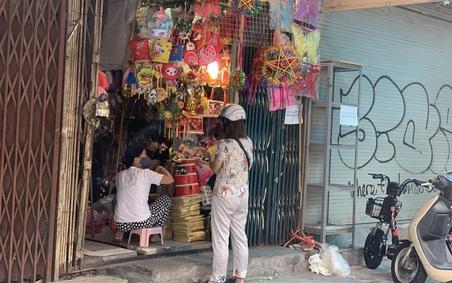 Mùa trung thu ảm đạm chưa từng có tại 'thủ phủ' đồ chơi giữa phố cổ Hà Nội